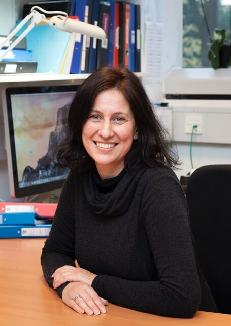 Dr. Carla Martins